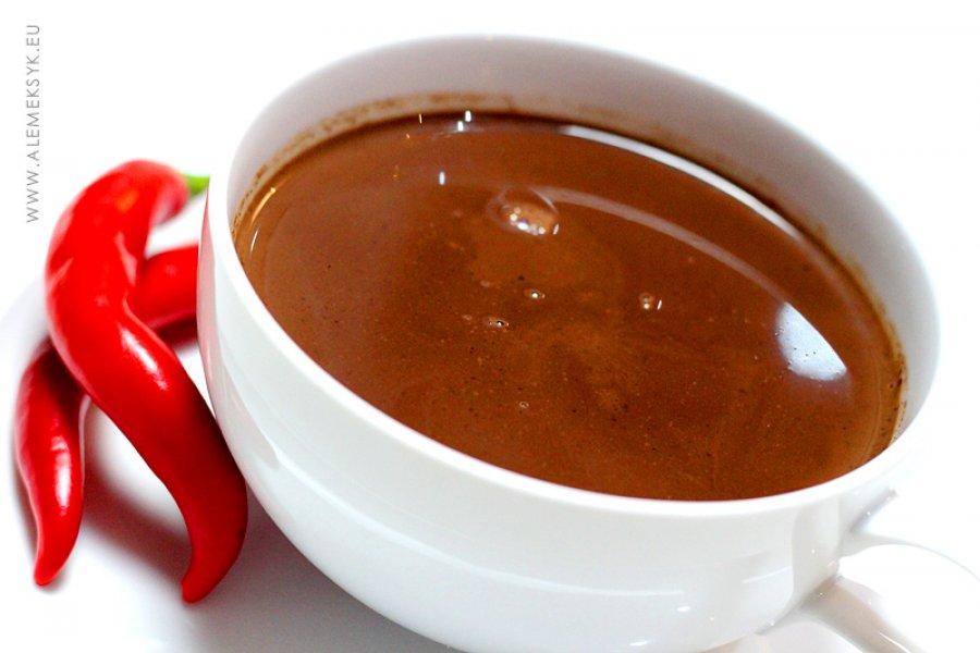 Gorąca meksykańska czekolada z chili