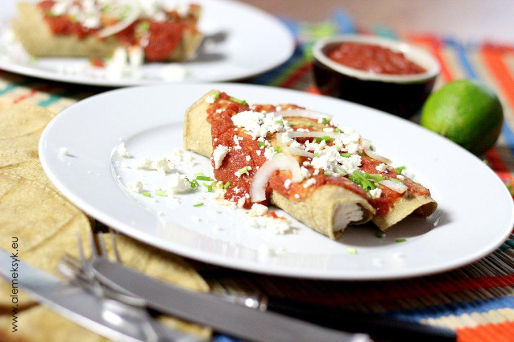 Enchilada z indykiem w sosie chipotle