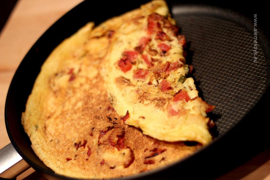 Omlet z chorizo