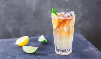 Drink Long Island Iced Tea (LIIT) - koktajlowa klasyka wagi ciężkiej