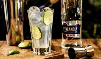 Finlandia Raspberries Lemonade - drink na bazie wódki malinowej idealny na letnie orzeźwienie