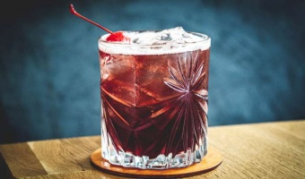 Whiskey żytnia i shrub czereśniowy - smak lata przez cały rok