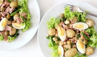 Sałatka ze szparagami i tuńczykiem w dressingu vinegret