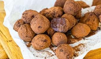 Boskie trufle czekoladowe z dodatkiem tequili i pomarańczy - przepis na słodką rozpustę