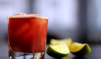 Tequila cassis - drink z meksykańskim charakterem