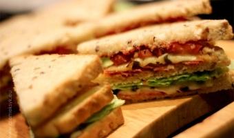 Sandwich z chorizo