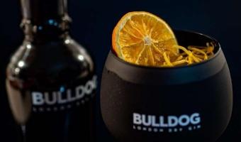 Bulldog Gin i kordiał grapefruitowy - rewelacyjny twist na bazie koktajlu Tom Collins