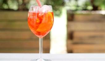Drink Aperol Spritz - Idealny przepis na włoski klasyk