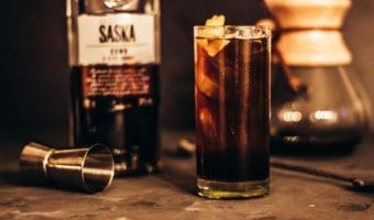 Espresso Tonic na likierze kawowym z nutą brandy