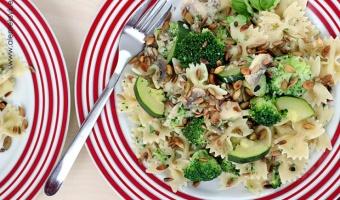 Makaron z brokułami i serem rokfor