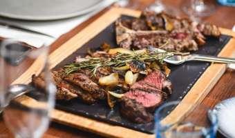Steak By Steak - gdzie zjeść wypasione steki z amerykańskiej wołowiny Black Angus?