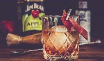 Apple Fashioned - jabłkowy Jim Beam jako drink idealny na lato
