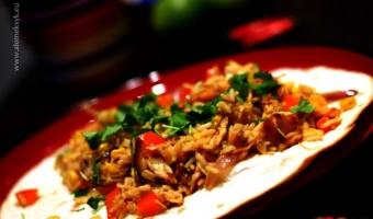 Fajitas z ryżem i kurczakiem