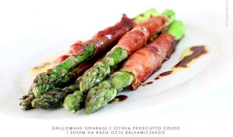 Grillowane zielone szparagi z prosciutto crudo i sosem balsamicznym - wiosna na talerzu