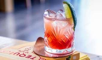 Drink El Diablo - cocktail na bazie tequili i piwa imbirowego