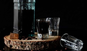 Jak zrobić domowy likier kawowy - odpowiednik meksykańskiego Kahlua